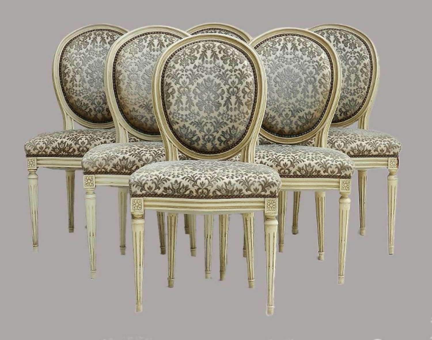 6 French Dining Chairs Medallion to recover/restore