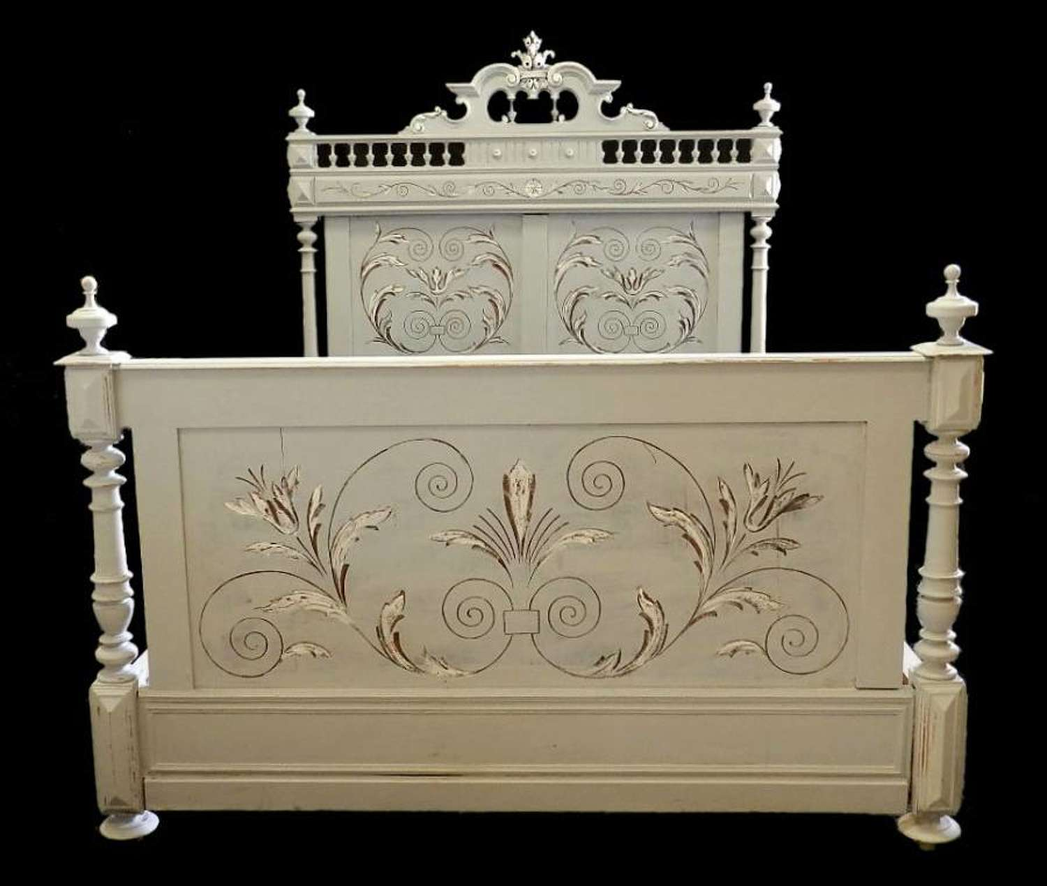 C19 French Antique Double Bed + Base ready to go