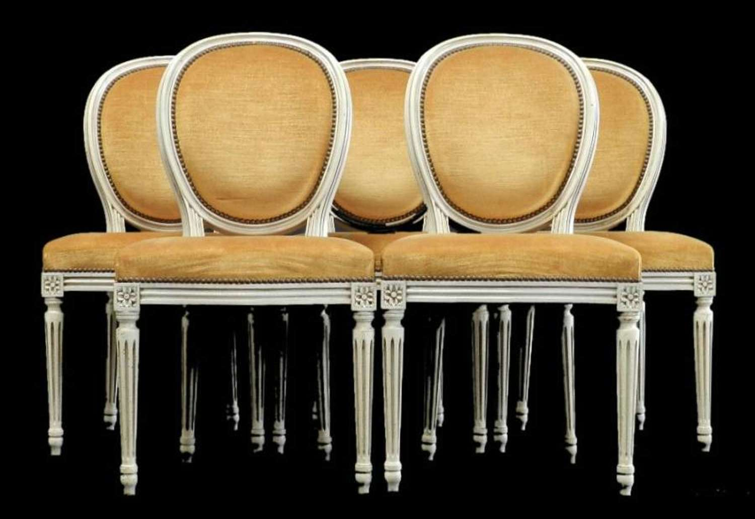 Set of 4+1 French early Vintage 5 Louis Medallion Back Dining Chairs