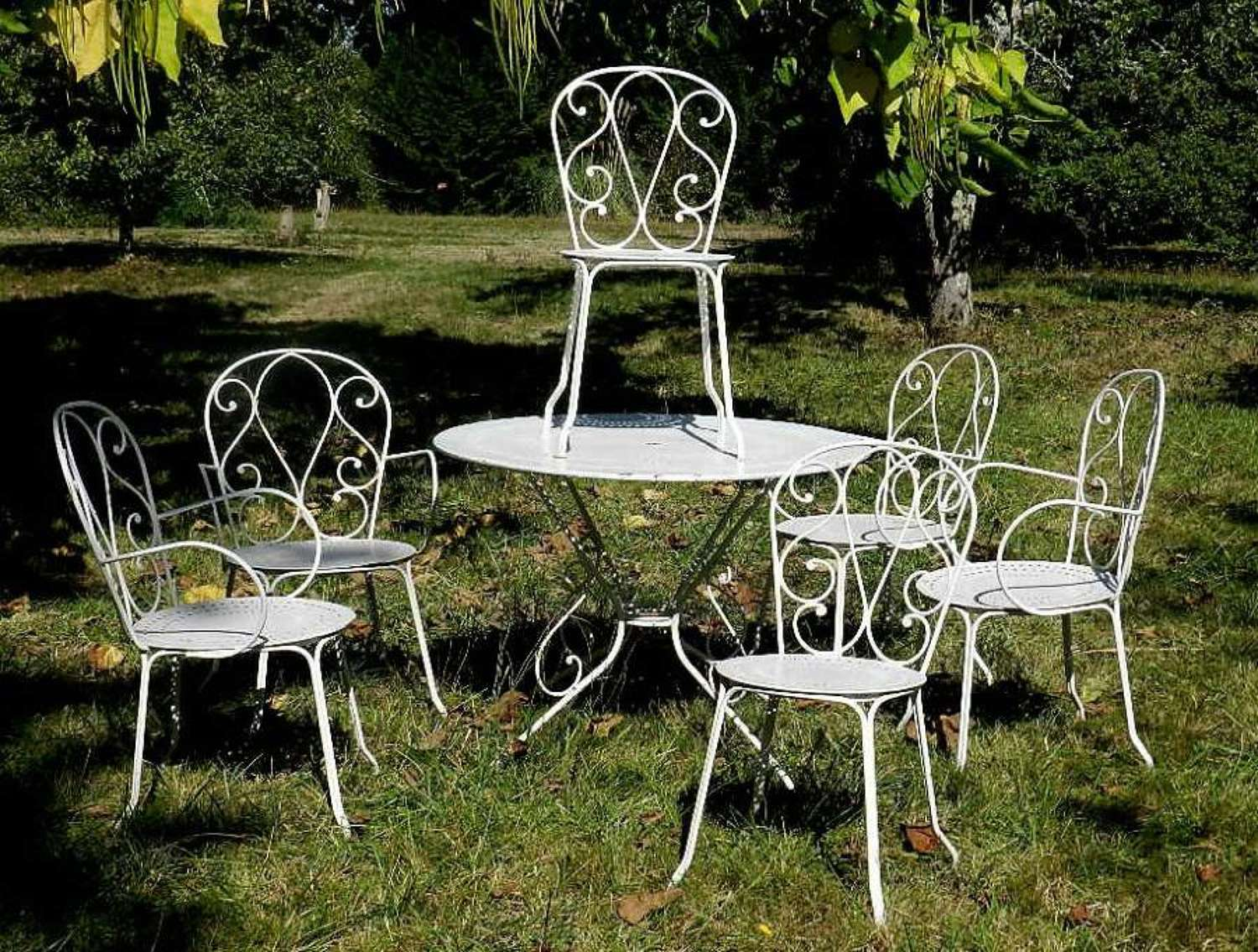 Set of French Vintage Louis Iron Garden Furniture Table + 6 chairs